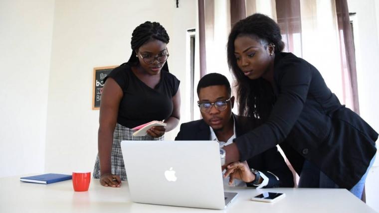 Accompagnement technique et financier des étudiants sénégalais en France.